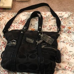 Coach Poppy purse/black with charms